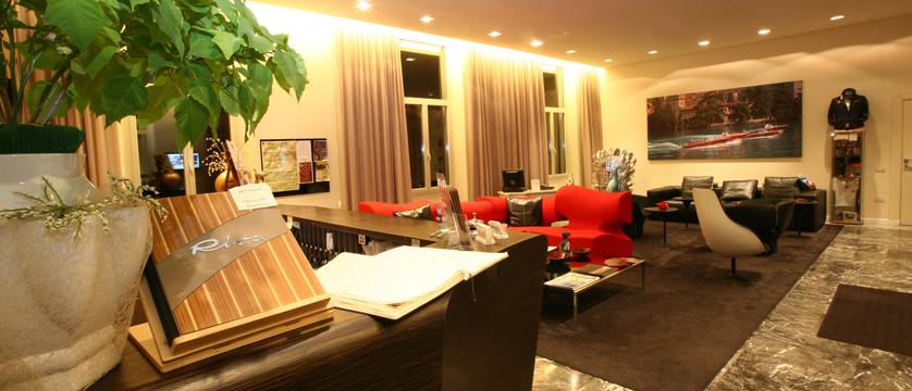 Araba Fenice - Lounge.JPG